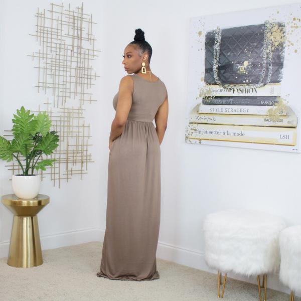 sleeveless maxi dress with pockets