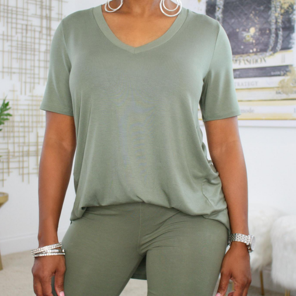 tee shirt and leggings set
