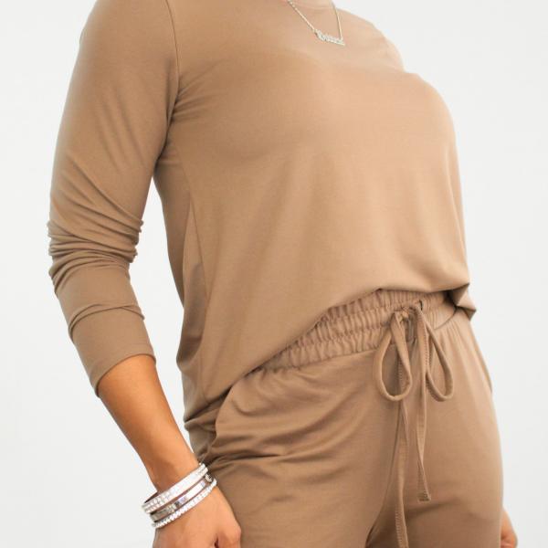 Long Sleeve Top and Joggers Set (Mocha)
